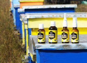 Propolis tincture and sprays